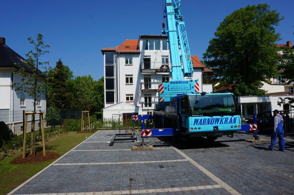 Montage der Balkone an der Villa Löwenstein