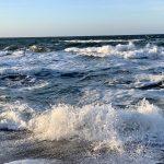November Ostsee Wellen